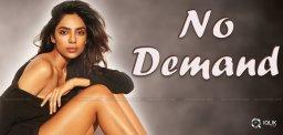 sobhita-dhulipala-have-no-cinema-offers
