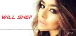 sanjay-dutt-daughter-debut-movie-exclusive-details