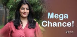 Mega Chance For Varalakshmi Sarathkumar!