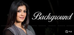 varalakshmi-sarath-kumar-boasting-about-background