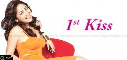 yami-gautam-lip-lock-in-badlapur-movie