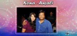 actress-anjali-with-writer-kona-venkat-at-a-party