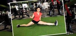 Rakul-Preet-Singh-Stretch-Challenge