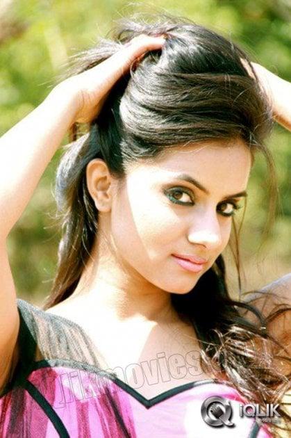 E movie songs kala kala song jiiva nayantara srikanth deva - 3 6