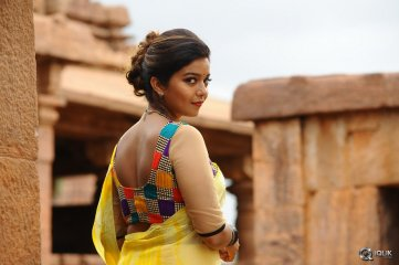 Colors-Swathi