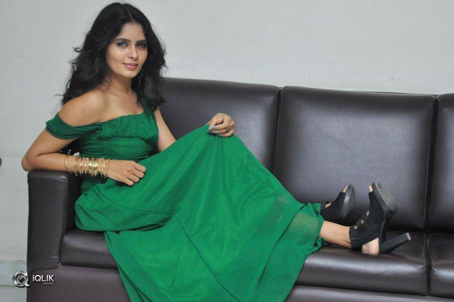 Actress-Madhumita-krishna-Photo-Shoot