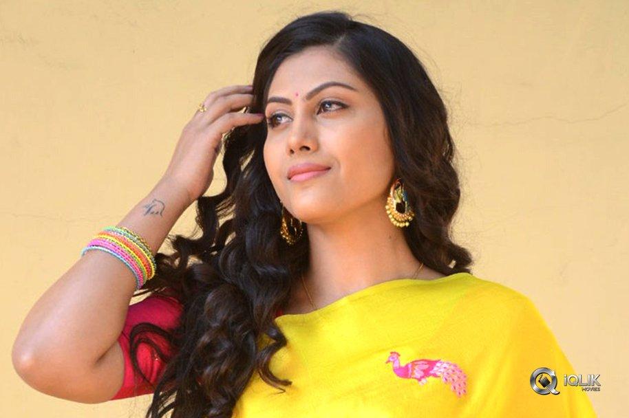 Actress-Priyanka-Naidu
