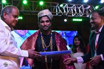 Allu Arjun Felicitated At IKYA FIESTA 2018