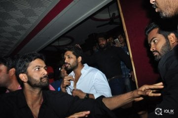 Allu Arjun at Khaidi No 150 Movie Screening