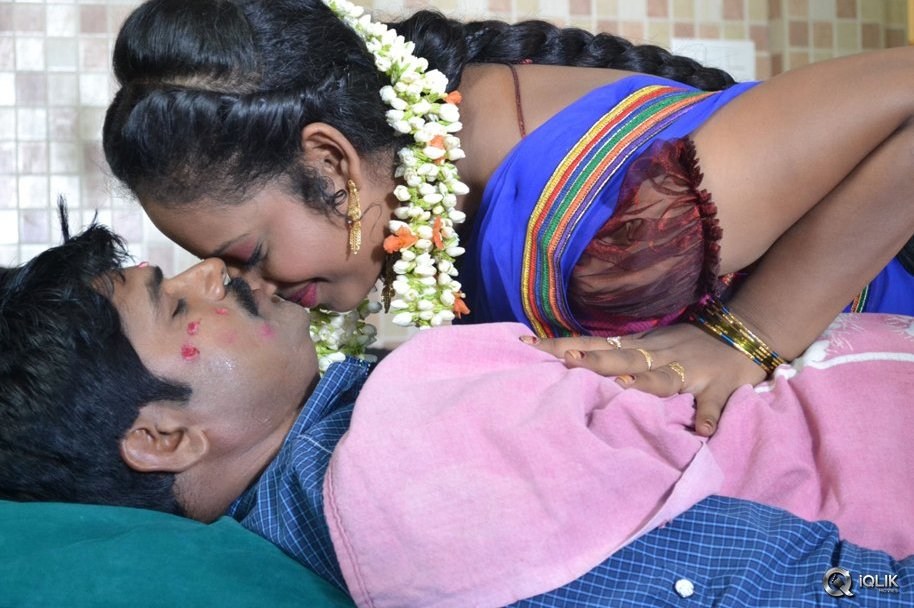 Ammayi-Aaruguru-Movie-Stills