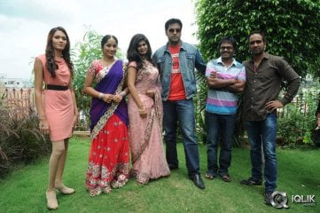 Anandham-Malli-Modalaindi-Movie-Opening