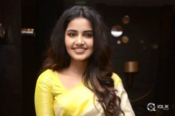 Anupama-Parameswaran-New-Photos