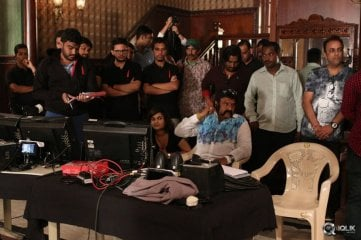 Balakrishna And Krishna Vamsi Visit Amitabh RGV Sarkar 3 Movie Set