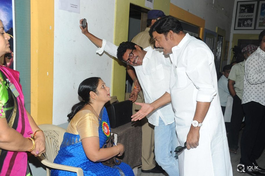 Celebrities-at-MAA-Elections-2015-Poling