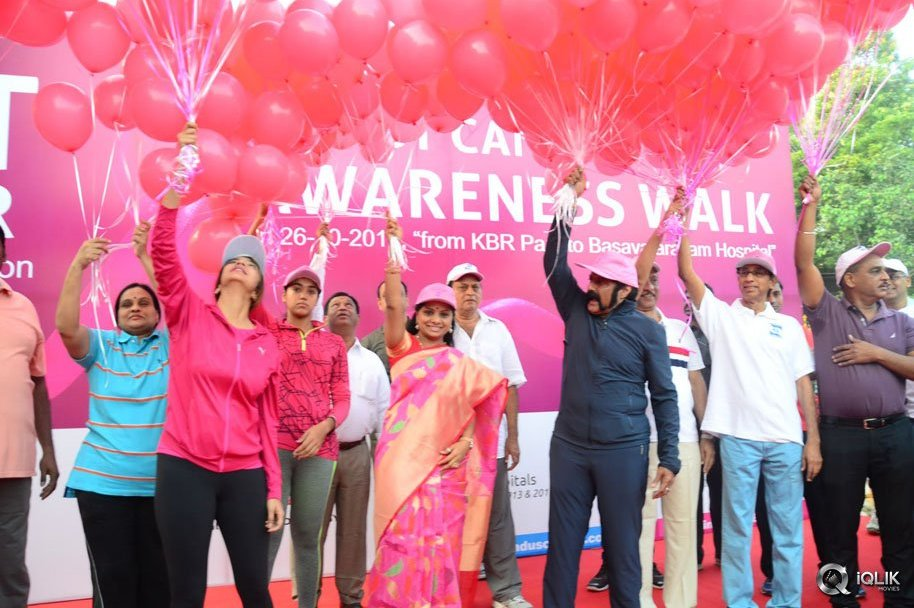 Celebs-At-Breast-Cancer-Awareness-Walk