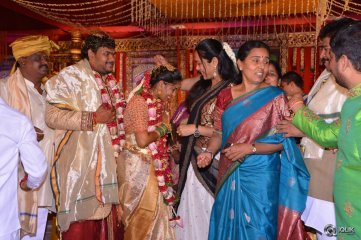 Celebs-at-Chinna-Srisailam-Yadav-Daughter-Wedding