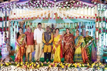 Celebs-at-Writer-Thota-Prasad-Daughter-Wedding-Reception