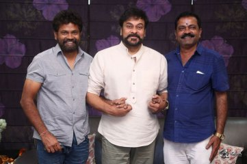 Chiranjeevi Buys Darshakudu Movie First Ticket