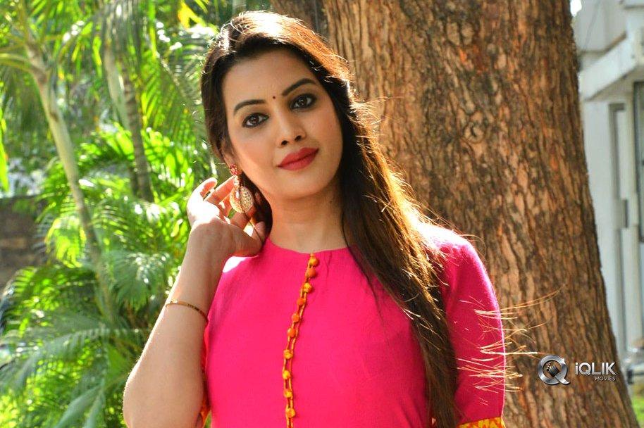 Diksha-Panth-at-Ego-Movie-Trailer-Launch
