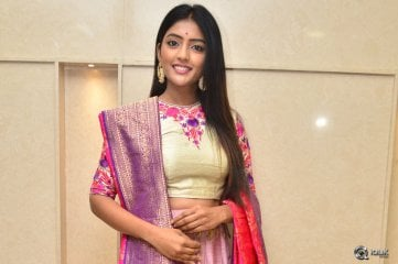 Eesha-Rebba-at-Diwali-New-Collections-Fashion-Show