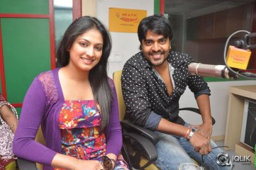 Galata-Movie-Team-at-Radio-Mirchi
