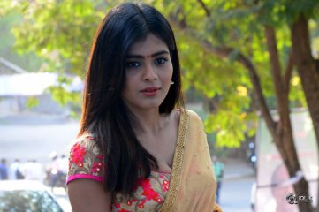 Hebah-Patel-at-Nenu-Naa-Boy-Friends-Movie-Opening