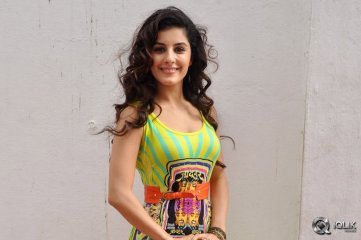 Isha-Talwar-at-Maine-Pyar-Kiya-Movie-Success-Meet