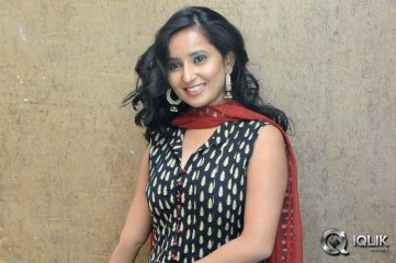 Ishika-Singh-at-Hrudaya-Kaleyam-Movie-Success-Meet