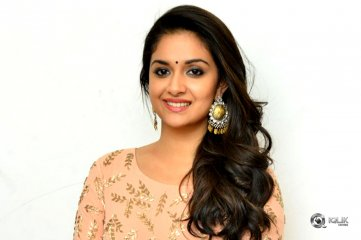 Keerthy-Suresh-at-Hosting-a-Pressmeet