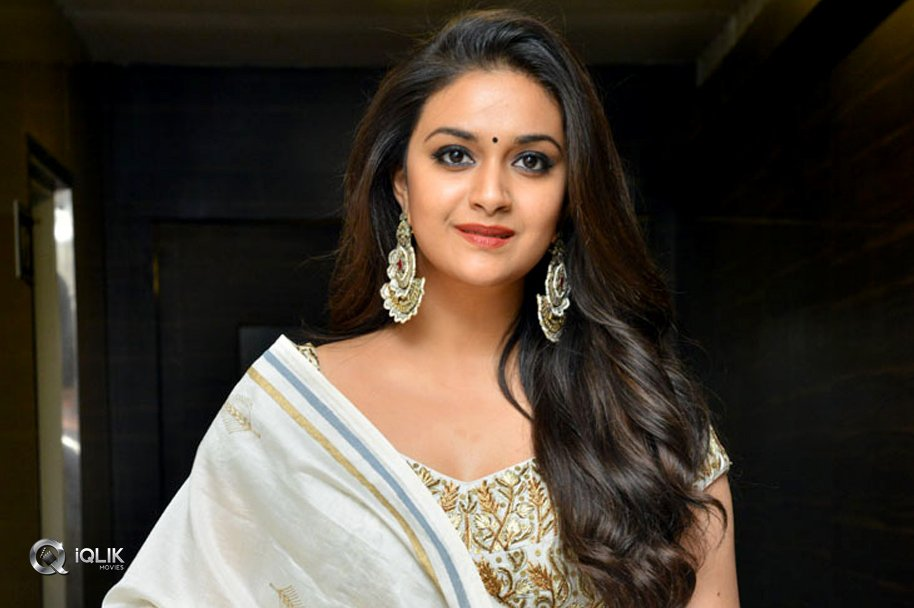 Keerthy-Suresh-at-Pandem-Kodi-2-Prerelease-Event-Photos