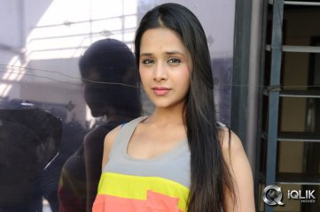Kritika-Singhal-at-Dil-Deewana-Press-Meet