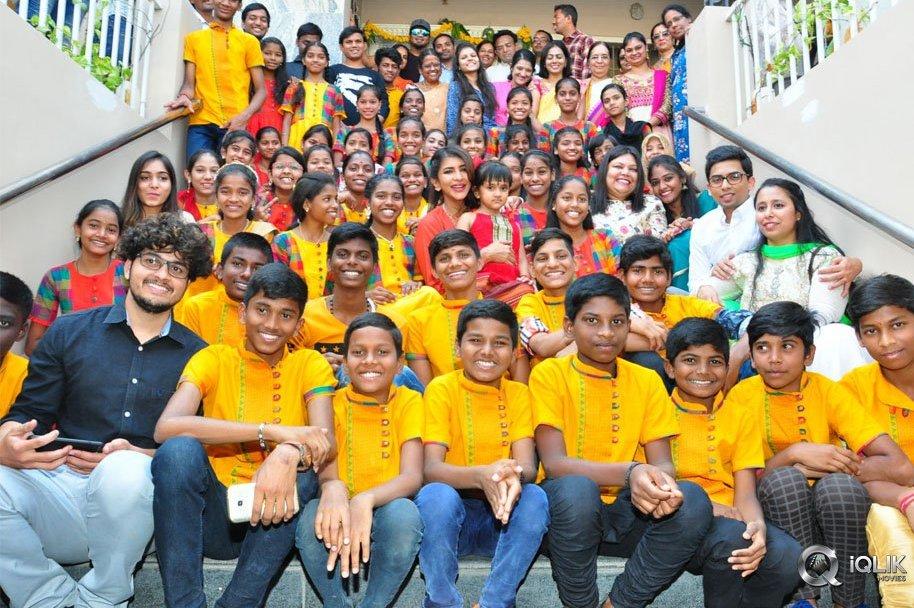Lakshmi-Manchu-Celebrates-Sankranthi-With-Kids-From-Govt-Schools