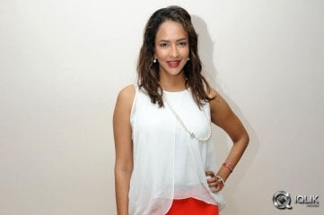 Lakshmi-Manchu-at-Chandamama-Kathalu-Trailer-Launch