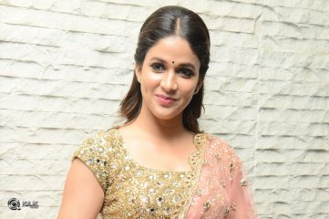Lavanya Tripathi At Vunnadhi Okate Zindagi Movie Pre Release Function