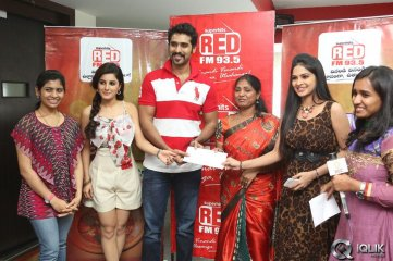 Maine-Pyar-Kiya-Movie-Team-at-Red-FM