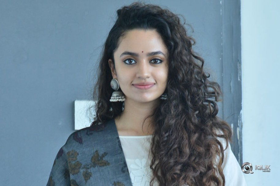 Malavika-Nair-New-Stills