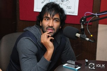 Manchu-Vishnu-at-Red-FM
