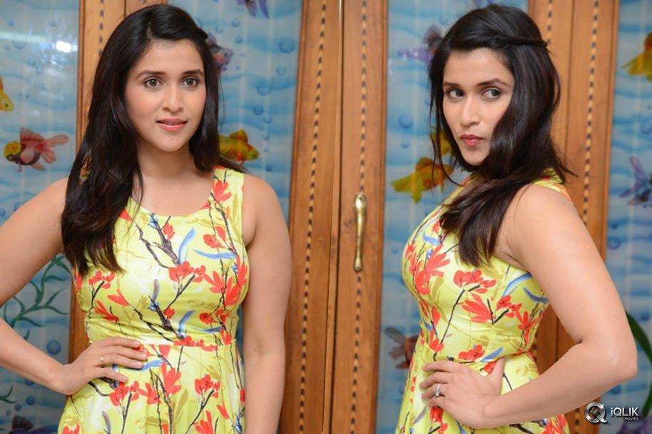 Mannara-Chopra-Interview-About-Jakkanna-Movie