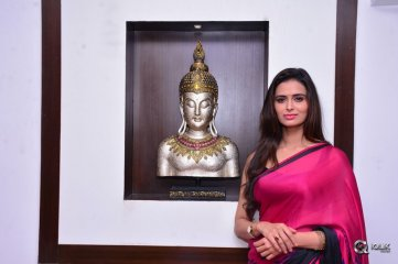 Meenakshi Dixit Launches Naturals Salon at Vijayawada