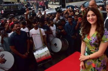 Mehreen-Pirzada-Launches-13th-Store-of-EasyBuy-in-Hyderabad