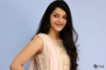 Mehreen-at-Krishna-Gadi-Veera-Prema-Gaadha-Movie-Thanks-Meet