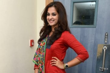Nanditha-at-Shankarabharanam-Movie-Promotion