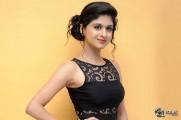 Naveena-at-Ice-Cream-2-Movie-First-20-Looks-Launch