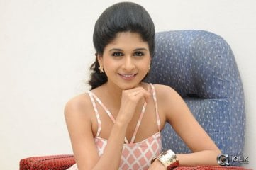 Naveena-at-Ice-Cream-2-Press-Meet