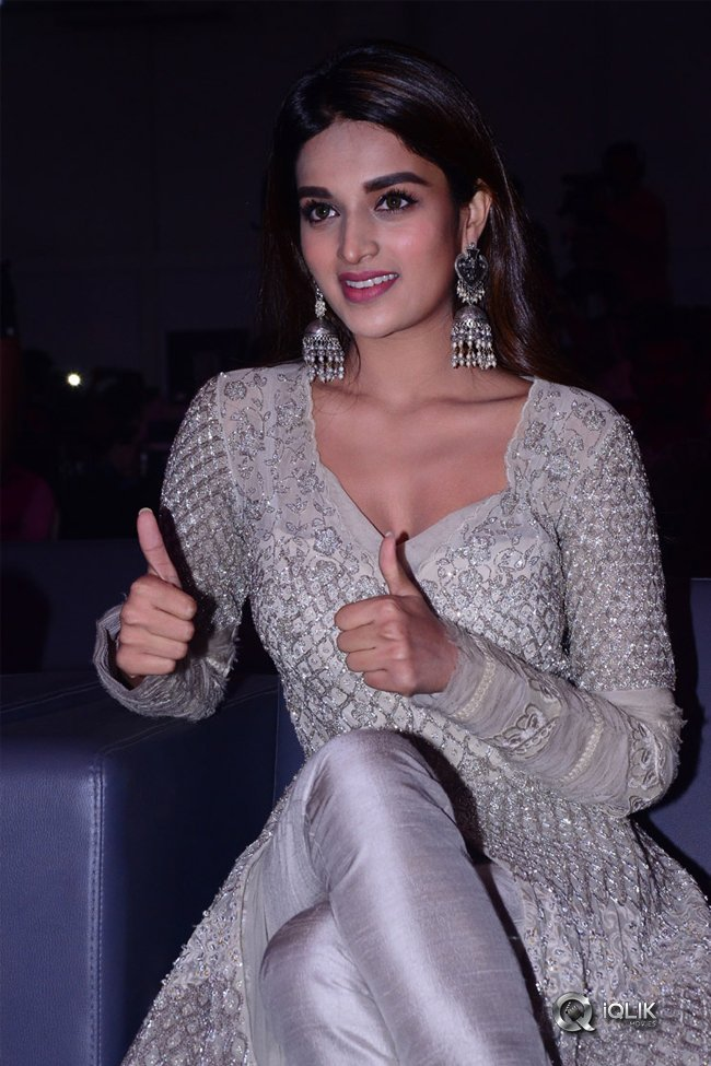 Nidhhi-Agerwal-at-Savyasachi-Movie-Pre-Release-Event