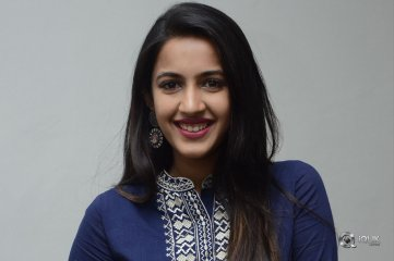 Niharika-Konidela-New-Photos