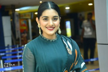 Niveda-Thomas-New-Stills