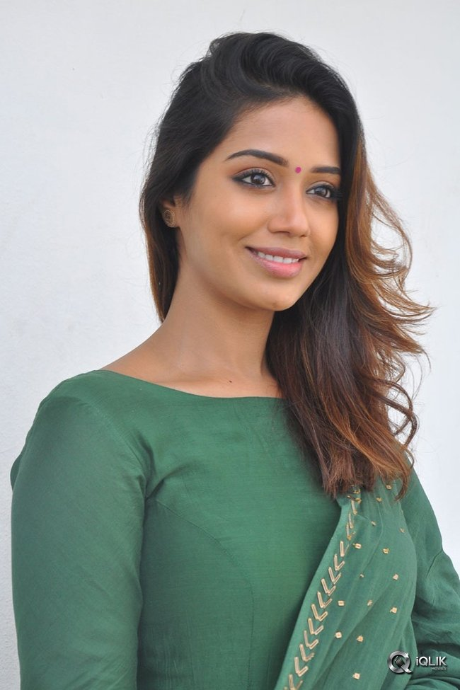 Nivetha-Pethuraj-At-Mental-Madilo-Movie-Press-Meet