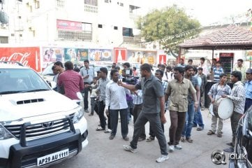 Pandavulu-Pandavulu-Tummeda-Team-Visits-Theatres-in-Hyderabad