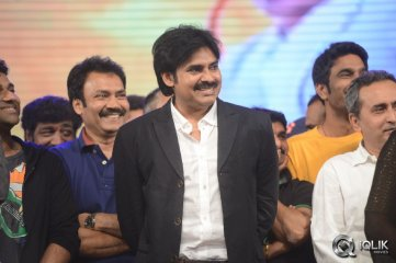 Pawan-Kalyan-at-Attarintiki-Daredi-Audio-Launch